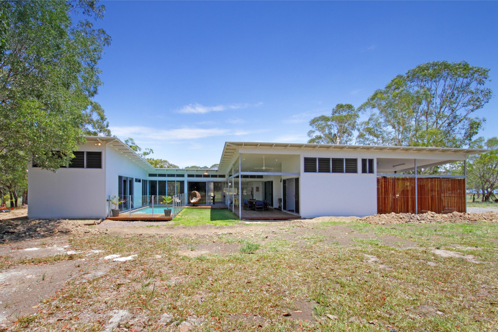 Cooroibah acreage home luxury home builder sunshine for Acreage home builders