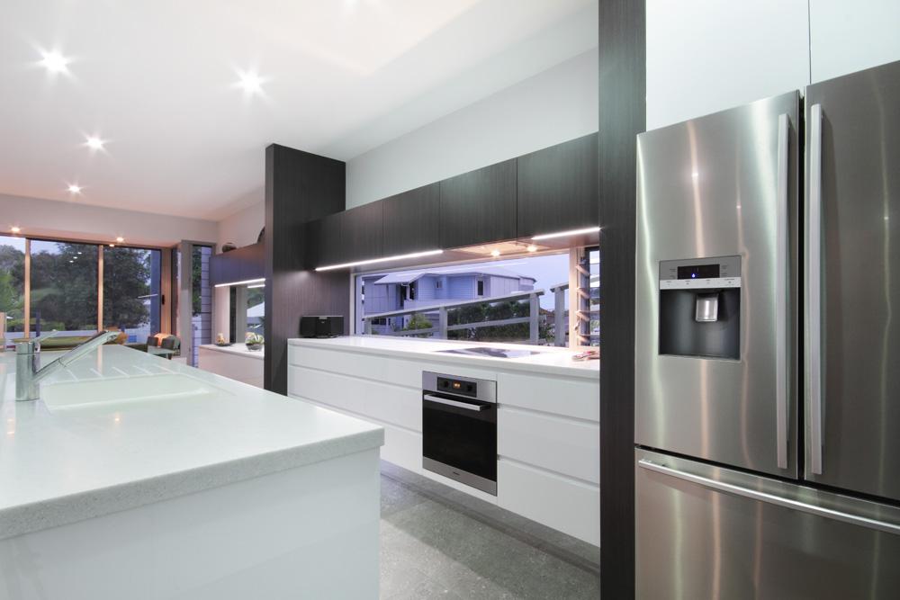 18 streamlined sleek kitchen luxury home builder sunshine coast planet homes qld - Sleek kitchen world ...